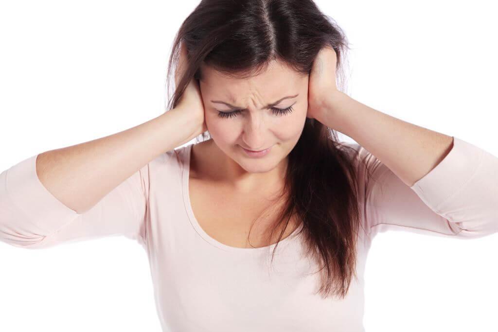 Não ouvir é um dos sinais de perda auditiva. Há sintomas que passam despercebidos, que dizem muito sobre a saúde auditiva e não devem ser ignorados.