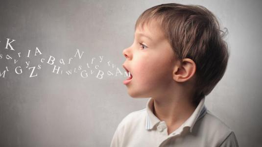 Atraso na fala: por que meu filho ainda não diz nada?