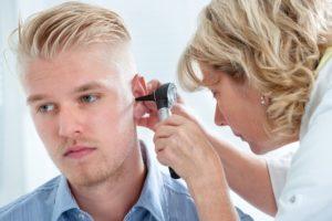 Conheça os principais tratamentos para a surdez unilateral