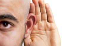 A perda auditiva afeta o corpo e a mente? Entenda