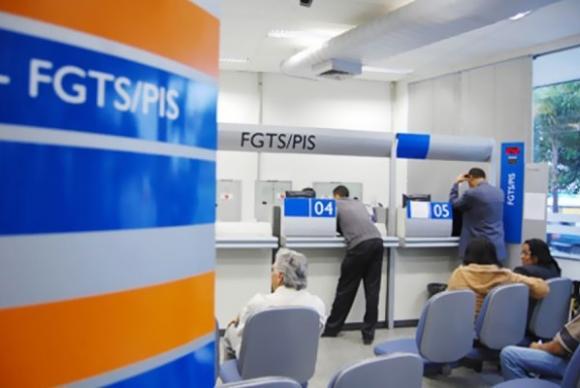Michel Temer assina decreto que permite o uso do FGTS para compra de próteses e órteses. Acompanhe