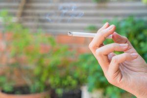 relação-entre-perda-auditiva-e-cigarro