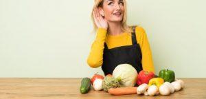 A alimentação influencia na audição e certos alimentos ajudam as pessoas a envelhecer mais saudáveis.